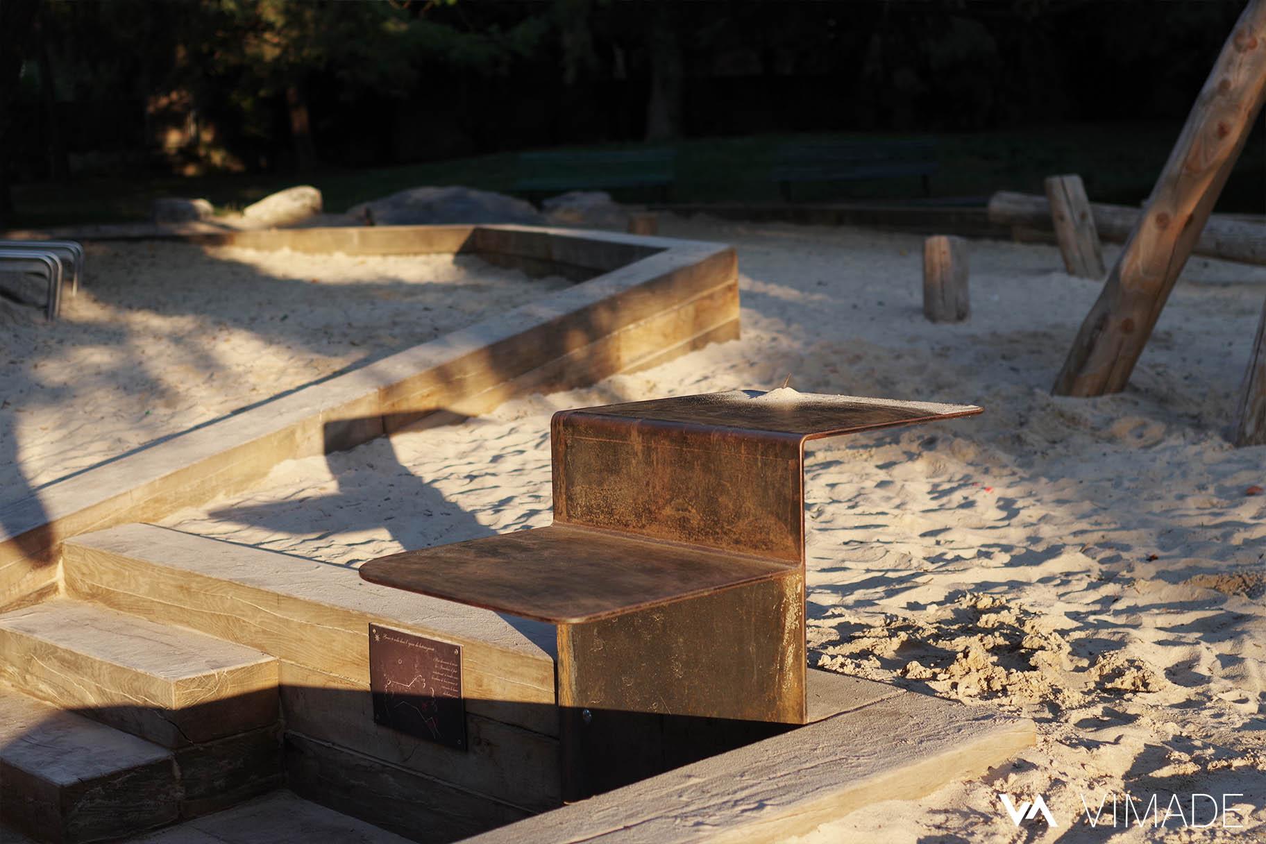 Aménagements adaptés pour les PMR dans le nouvel espace de jeux du parc des Franchises conçu par le bureau VIMADE.