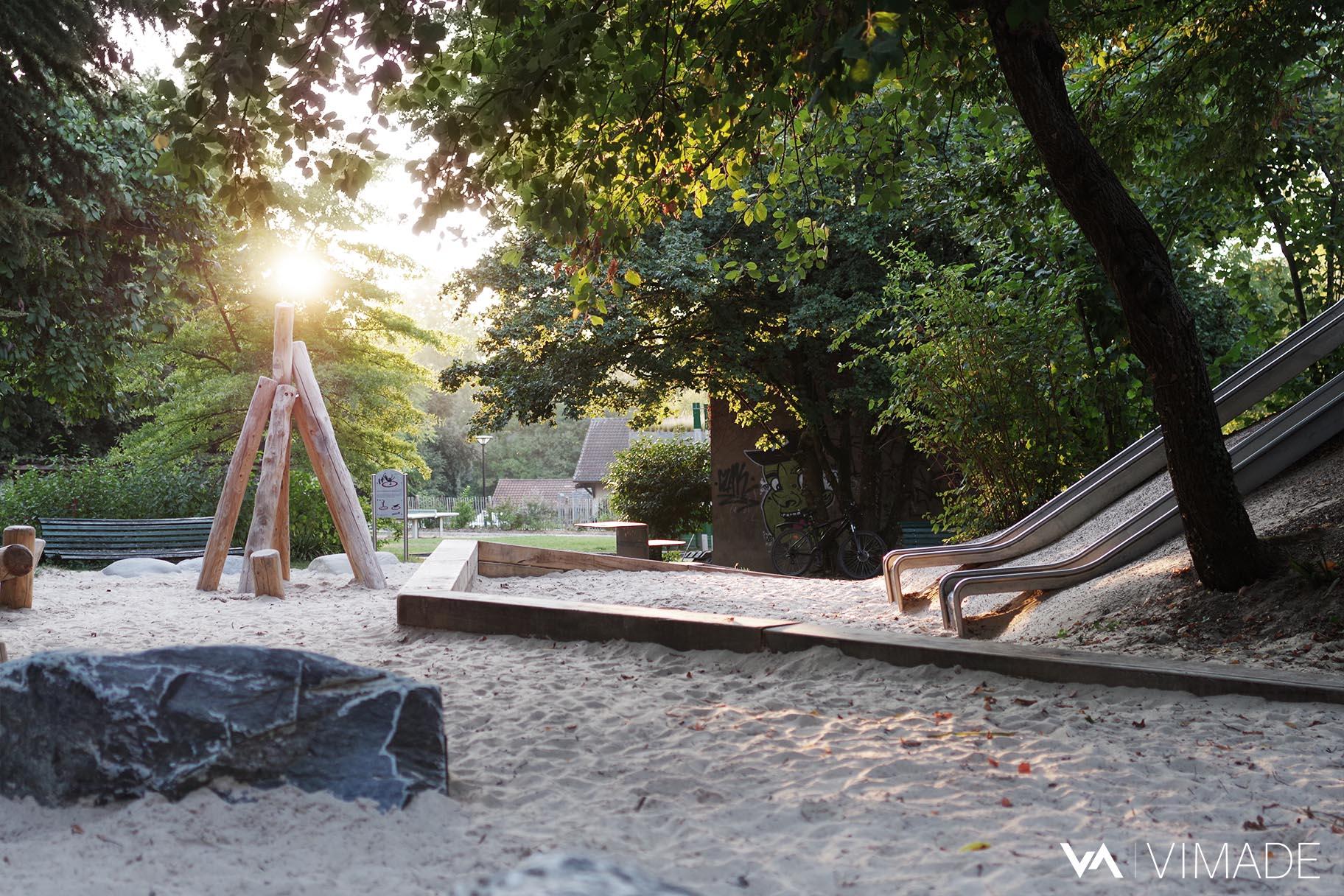 bac-sable-place-jeux-enfant-rocher-bois-naturel-parc-franchises-geneve-vimade-architecte-paysagiste