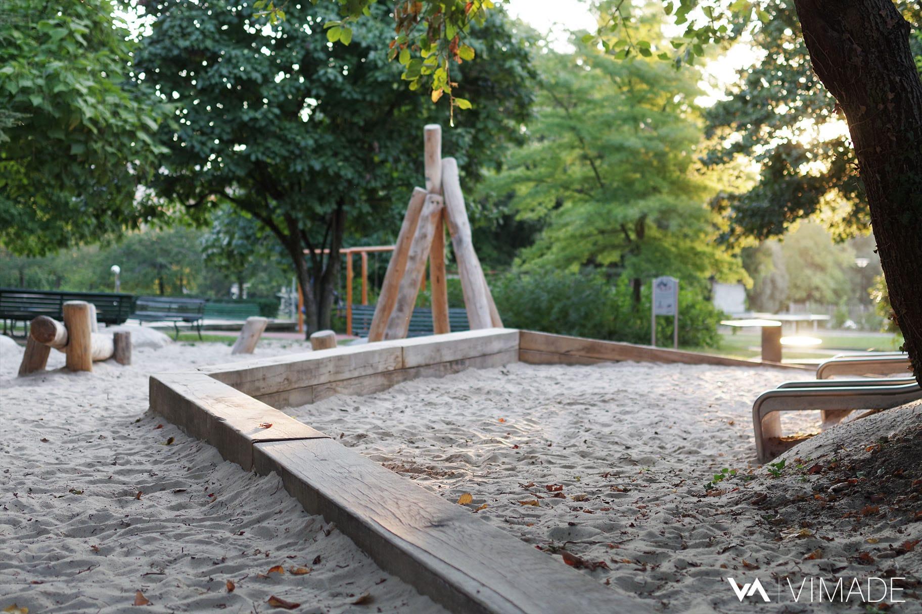 Réaménagement du bac à sable du parc des Franchises par le bureau VIMADE.