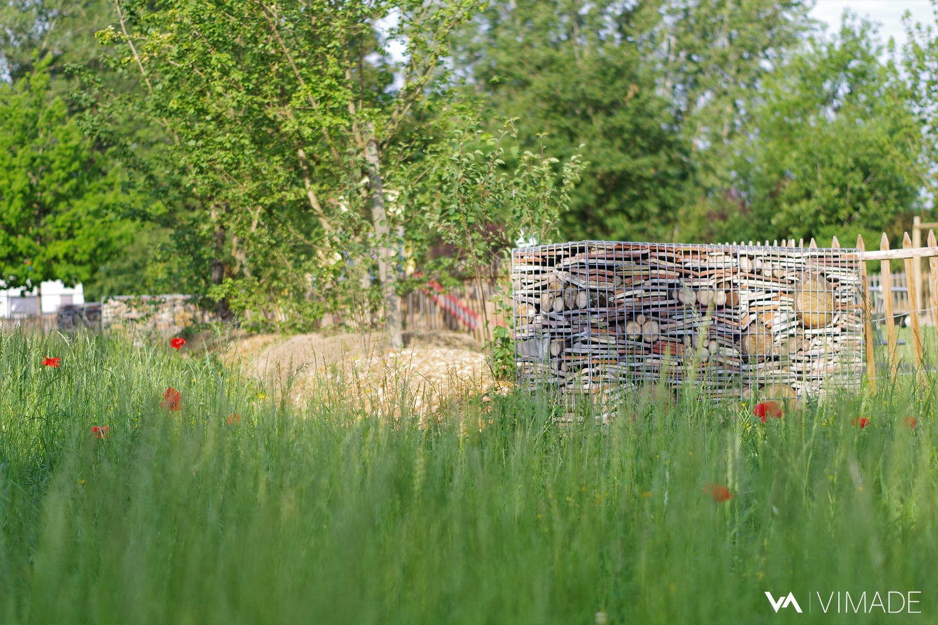 Projet de parc écologique au parc des Tuileries à Bellevue offrant prairies, hôtels à insectes, végétation indigène et espaces d'agrément, VIMADE Architectes paysagistes Genève.